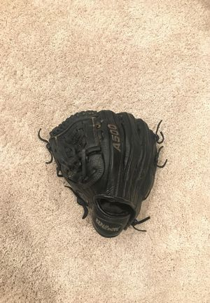 Wilson A500 left handed youth baseball glove for Sale in Columbus, OH