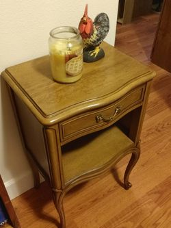 Gorgeous, Gently Used Drexel Nightstand, Side Table for Sale in Bonney Lake,  WA