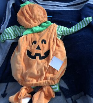 Pumpkin costume 6 to 12 months for Sale in Lake Wales, FL