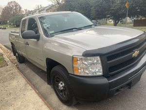 2009 Chevrolet Silverado 1500 4WD Ext cab for Sale in Upper Marlboro, MD