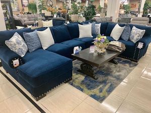 Custom-made Sectional 🇺🇸 for Sale in Fresno, CA