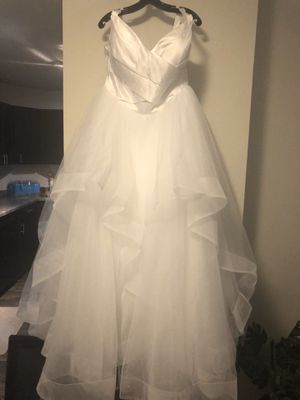 Brand new A-line wedding dress in bag. Never worn or altered! for Sale in Burnsville, MN
