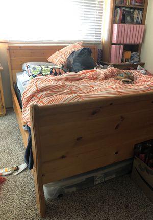 Queen Pine Sleigh Bed for Sale in Hayward, CA
