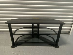 Tv stand with two glass shelves for Sale in St. Petersburg, FL