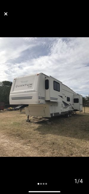 2005 Fifth wheel Recreational Trailer for Sale in Mission, TX