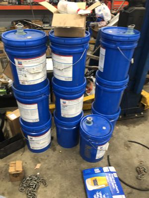 Clean oil buckets $2 each for Sale in Maple Valley, WA