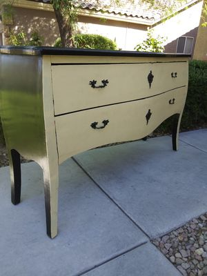 Long vintage dresser/TV stand/buffet for Sale in Las Vegas, NV