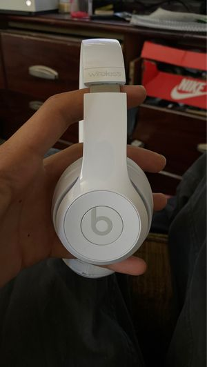 Beats solo 3 wireless for Sale in Tacoma, WA