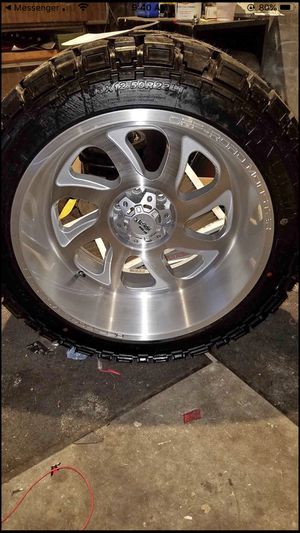 Never been on truck 0 miles 22x12 rims and tires are new For Ford 6*135 6 lug for Sale in Des Moines, IA