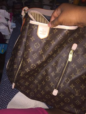 Louis Vuitton Bag for Sale in East Carondelet, IL