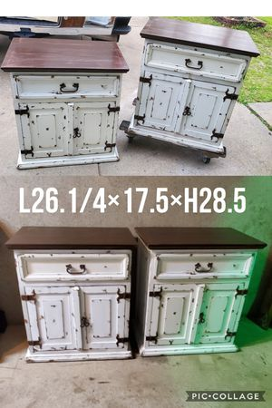 2 night stands side tables refinished white distressed for Sale in Cedar Hill, TX