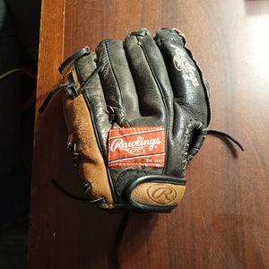 Rawlings Savage Baseball Glove .make Offer for Sale in Foothill Farms, CA
