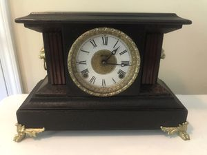 Antique Sessions Mantle Clock Lion Head Feet Sides Deco Gong Chime with Key for Sale in Lexington, SC