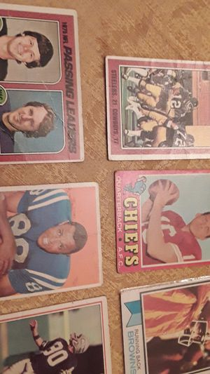 Lot of 8 vintage football cards most are Hall of Fame players for Sale in Tampa, FL