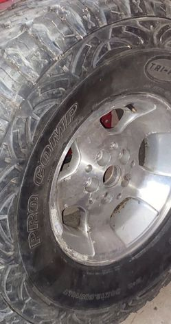 Pro Comp Tire for Sale in Hesperia,  CA