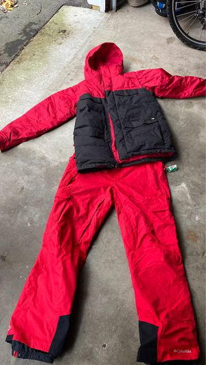 Burton snowboarding jacket. Columbia pants. for Sale in Kalamazoo, MI