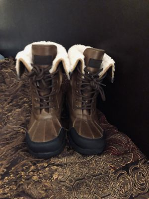 UGG Boots Big Kids size 3 for Sale in Glyndon, MD