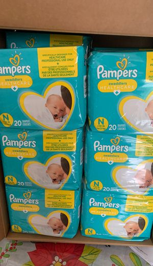 New born pampers for Sale in Del Valle, TX