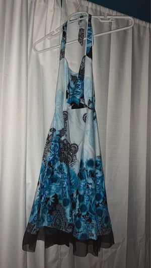 Beautiful flowered dress size L for Sale in Westminster, CA