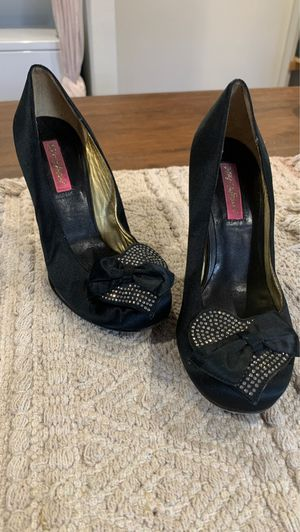 Betsey Johnson Satin Heels W/ Clear Acrylic Heel for Sale in San Diego, CA