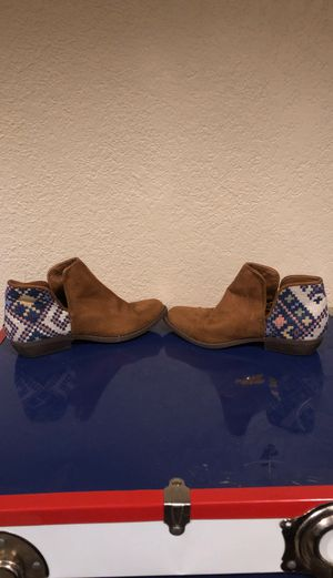 Cat & Jack size 1 girls boots for Sale in AZ, US