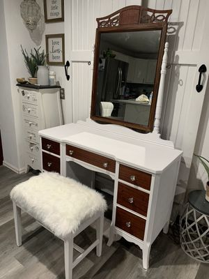 Vanity for Sale in Aurora, CO