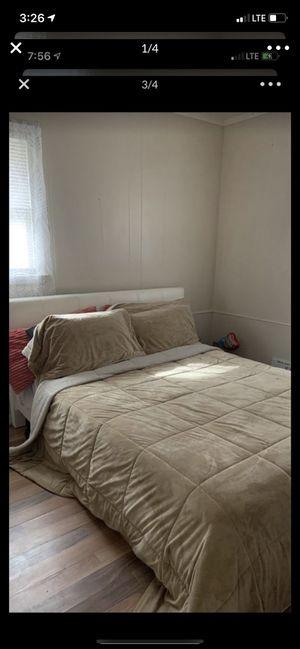 bed frame for Sale in Spartanburg, SC