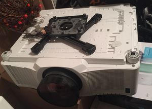 Christie LWU601I-D White 3LCD single-lamp digital projector for Sale in Ashburn, VA