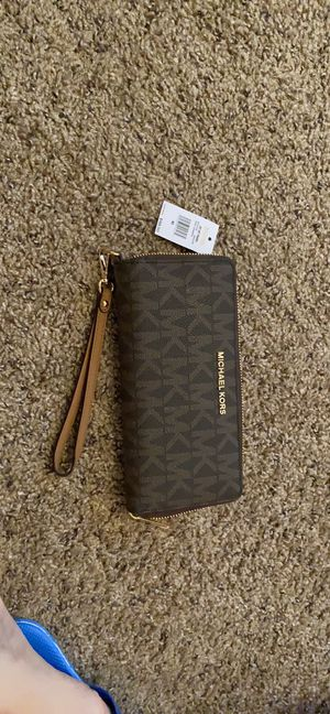 Mk wallet $70 brand new for Sale in Lincoln, NE