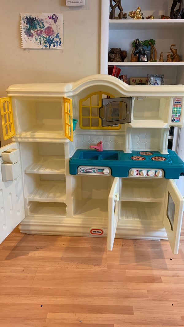 Play Kitchen with all toys