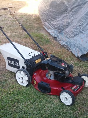 22 in Toro 6.75 self-propelled lawn mower $75 for Sale in Los Angeles, CA