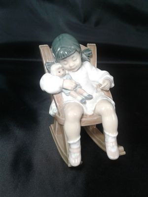Lladro Naptime Figurine #5448 for Sale in Peoria, AZ