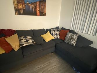 Sectional couch for Sale in Gardena,  CA
