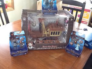"""NIB:DISNEY """"Pirates of the Caribbean"""" pirate ship playset AND 3 extra character sets from """"Pirates of the Caribbean - DEAD MEN TELL NO TALES"""" for Sale in Chippewa Falls, WI"""