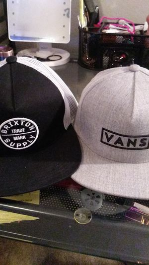 Brixton an vans snap backs for Sale in Alvin, TX