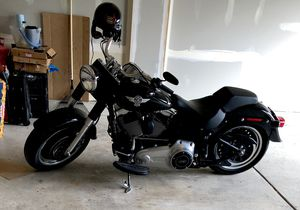 Harley Davidson Fatboy Lo 2014 Excellent Condition Like New. 2.5K Miles only for Sale in HOFFMAN EST, IL