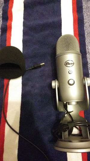 Blue Yeti USB microphone for Sale in Bakersfield, CA