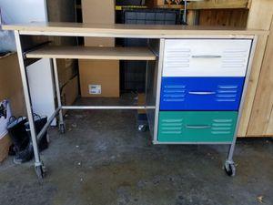 Kid's Desk for Sale in Ontario, CA