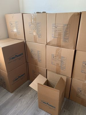 Moving boxes and bubble wrap for Sale in Redlands, CA