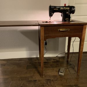 "The sewing machine works well in good condition. Model in Japan.L-24"" W-18 ""H-31"" for Sale in Vancouver, WA"