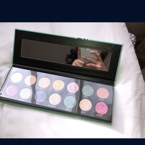 Makeup Pallet Brand New for Sale in Aurora, IL