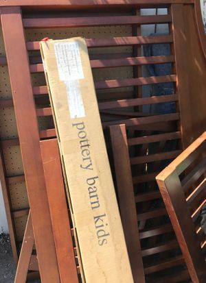 Free Pottery Barn Crib converts to toddler bed for Sale in Templeton, CA