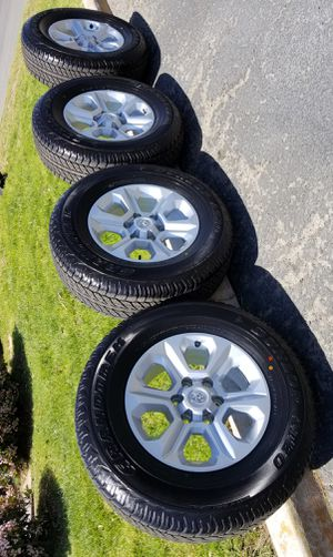 """17"""" TACOMA 4RUNNER TUNDRA SEQUOIA FJ CRUISER RIMS AND TIRES for Sale in Fontana, CA"""