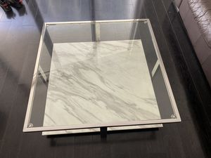 MODERN GLASS/MARBLE COFFEE TABLE for Sale in Miami, FL