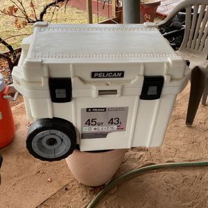Pelican Elite Cooler for Sale in Casa Grande, AZ