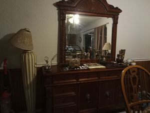 Antique China cabinet / vanity for Sale in Las Vegas, NV