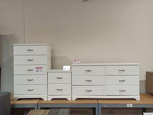 Dresser & 5 Drawer Chest & Nightstand, White for Sale in Santa Fe Springs, CA