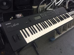 Yamaha s03 synthesized piano keyboard for Sale in Pittsburgh, PA