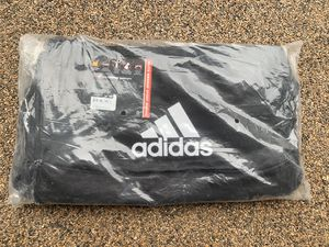 Adidas duffle bag for Sale in Placentia, CA