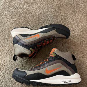 Nike ACG Size 9.5 for Sale in Lake Worth, FL